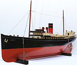 Model boat ocean liner steam engine