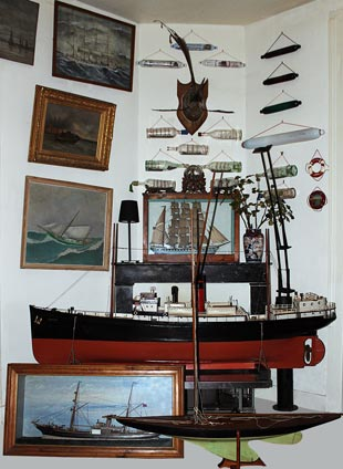 Nautical antiques shop - Live steam model boat, model yacht, ship diorama